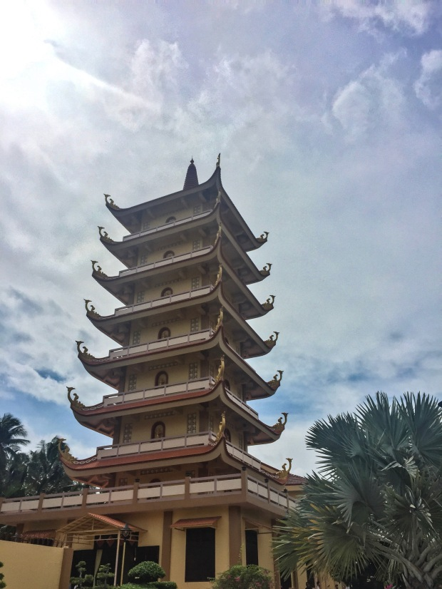 vin_tranh_beautiful_pagoda